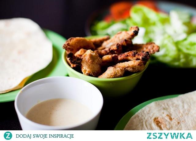 Pieczony kurczak w panierce z sosem majonezowo-musztardowym
