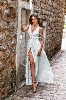 Długa klasyczna sukienka z ...