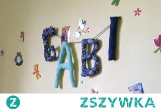 szyte literki z imieniem dziecka diy na ścianę