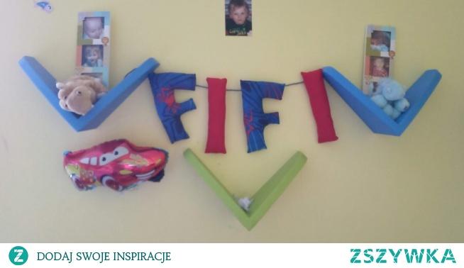 literki z imieniem dziecka na ścianę