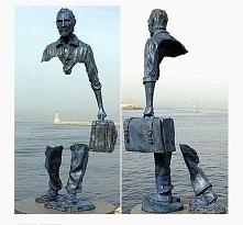 Podróżnicy rzeźba Bruno Cat...
