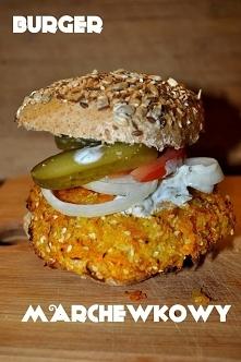 Burger marchewkowy