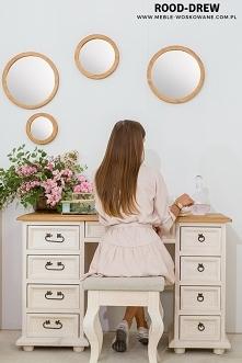 Piękne biurko w kolorze bie...