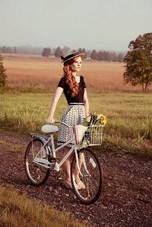 Rower zawsze kojarzy mi się...