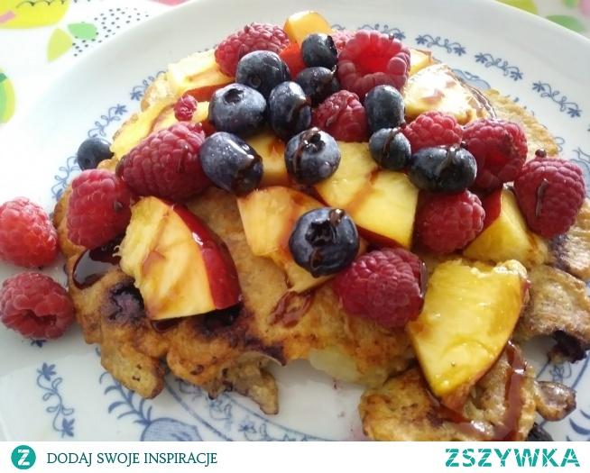 Owsiany omlet z owocami :) Pyszotka :)