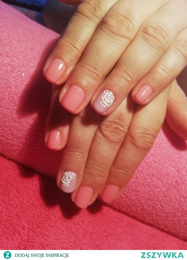 Różyczki #róże #manicure #manicurehybrydowy #hybrydy