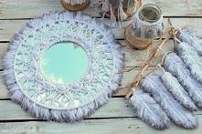 Lustro z dekoracją makramową