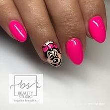 Manicure z Myszką Miki