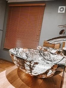 Pan Kamil wybrał do łazienki żaluzję drewnianą w kolorze Kurkuma ze sklepu Na...