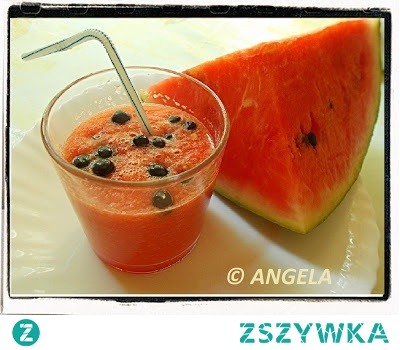 Koktajl arbuzowy z jagodami - Water-melon Shake With Blueberries - Frullato di coccomero con mirtilli
