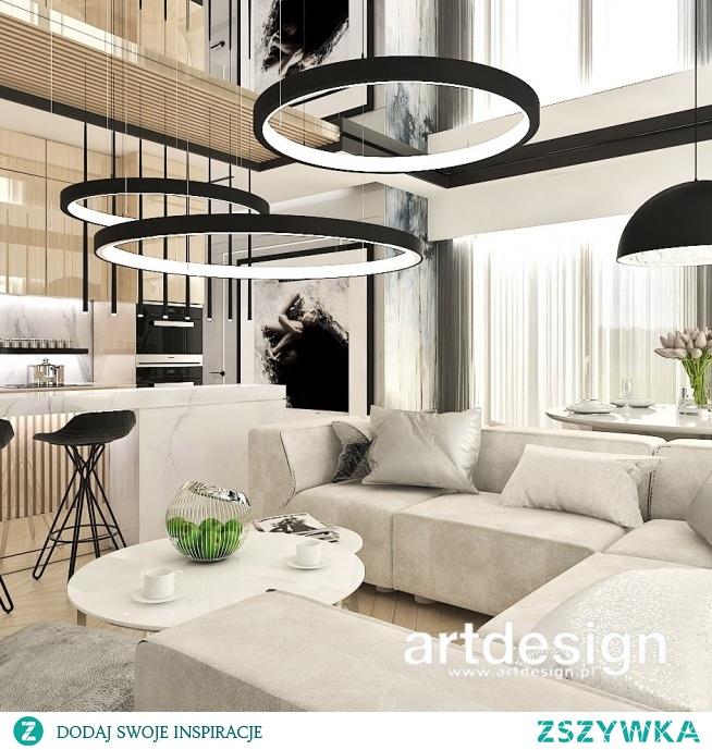 Aranżacja w ciepłych kolorach - piękny salon w apartamencie | IN HIGH SPIRITS