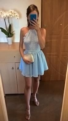 Błękitna sukienka od Emilly...