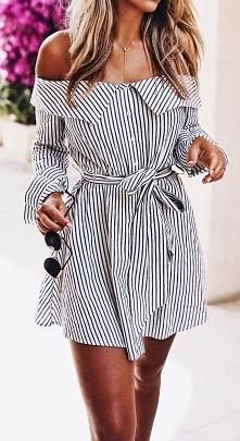 Przepiękna zmysłowa sukienka