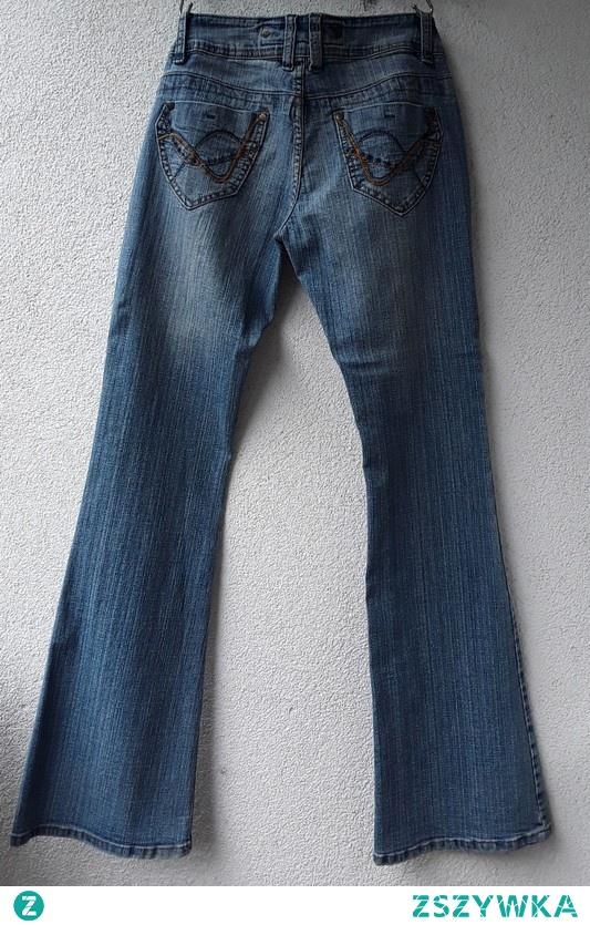 Hippie clothes dzwony rozmiar 10 Jane Norman  stan idealny  pas 38-40, biodra 47-52, wysokość stanu (mierzona z tyłu) 28-30 cm 20 zł