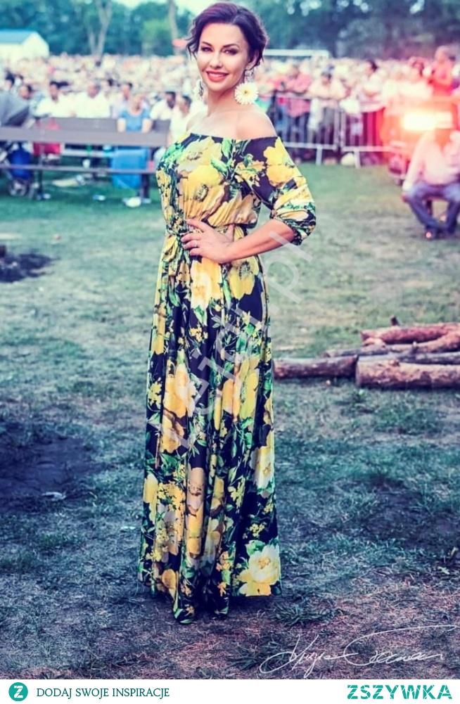 Pani Anna Popek w długiej sukience w żółte kwiaty. lejdi.pl