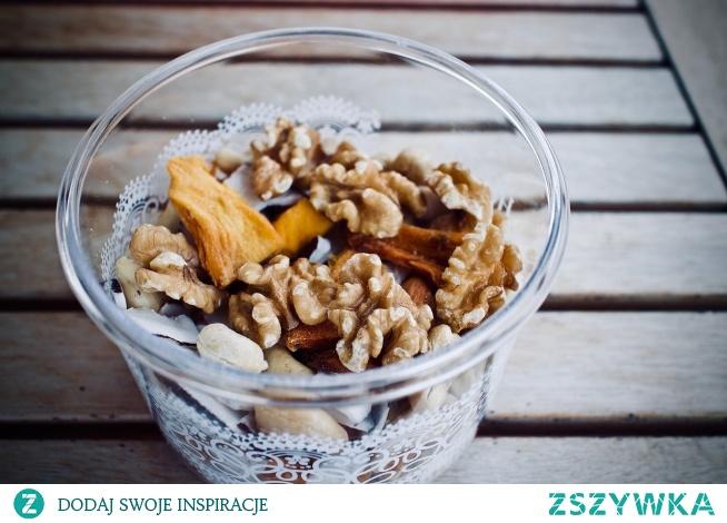 Sałatka z mango Przepis po kliknięciu w zdjęcie! weganskieprzepisy.pl