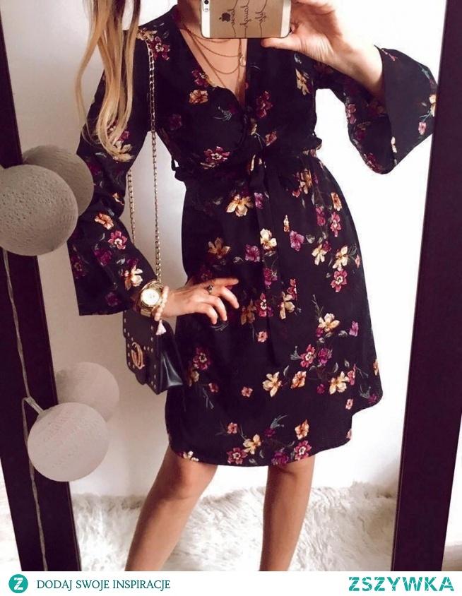 Sukienka w kwiaty dostępna na Butik Gretastyl