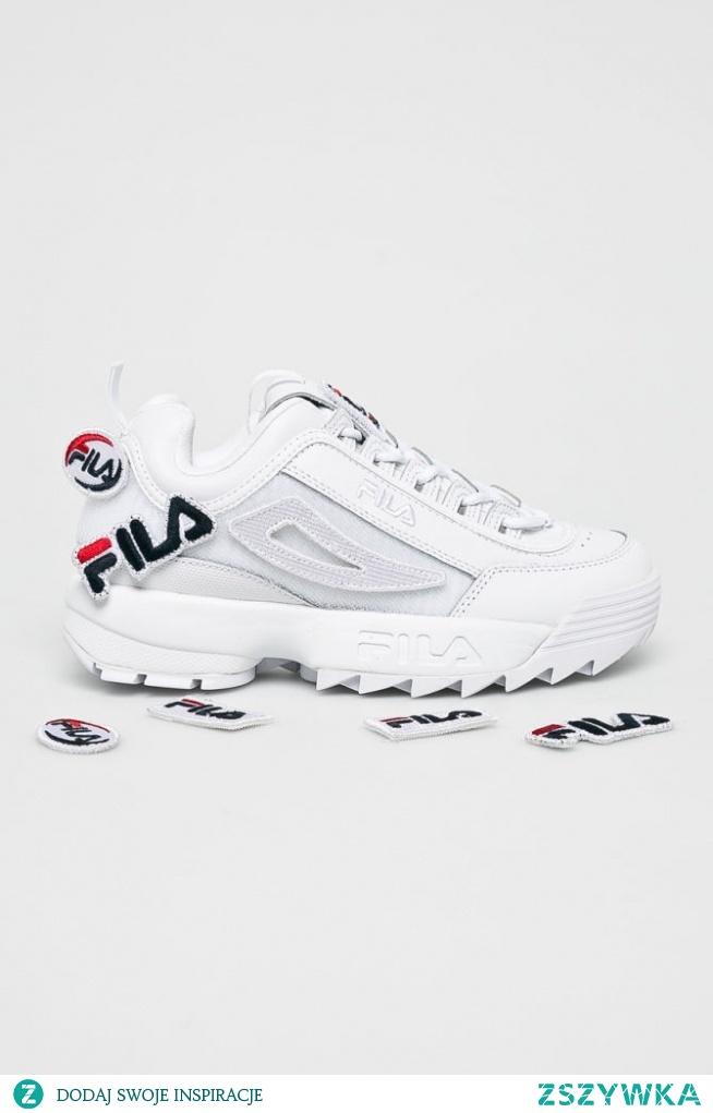Buty z kolekcji Fila. Model wykonany z połączenia skóry naturalnej i materiału tekstylnego.