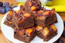 Czekoladowe ciasto ze śliwkami na maślance - bez miksera, w 15 minut