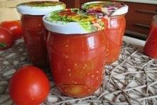 Pomidory krojone na zimę. Domowe przetwory