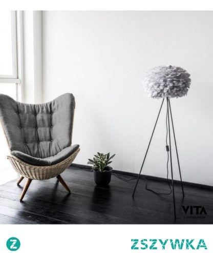 Wygodny fotel i stylowa lampa - udany wieczór gwarantowany