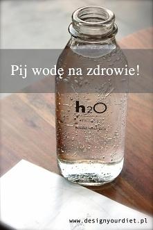 Woda to główny składnik ludzkiego ciała, dlatego warto zadbać o odpowiednie n...