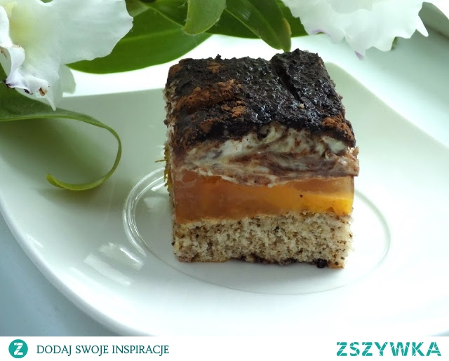 ciasto brzoskwniowo-chałwowe
