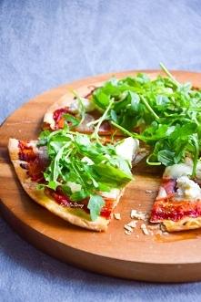 Pizza z tortilli z ricottą ...
