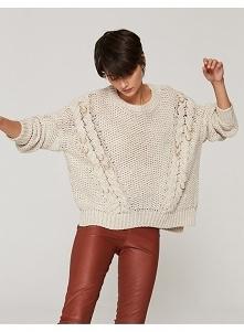Sweter oversize z metalowym...