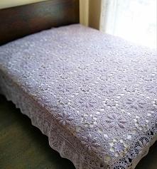 Szydełkowa narzuta na łóżko