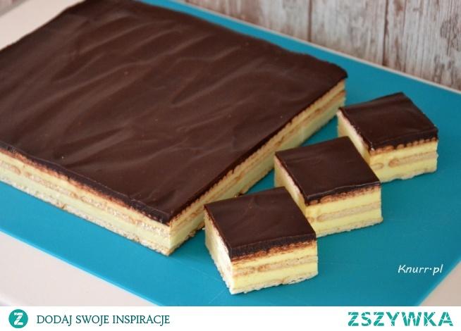 Leniwiec  Szybkie ciasto dla leniwych :) Waniliowa masa, herbatniki i ta czekoladowa polewa! Mniam!