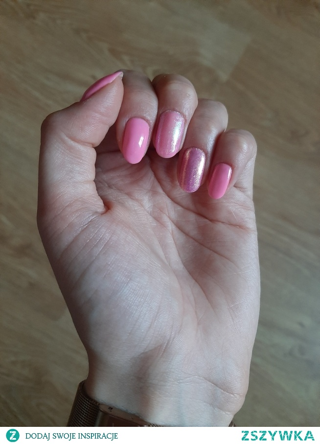 Semilac 166, efekt syrenki indigo pink i szmaragd