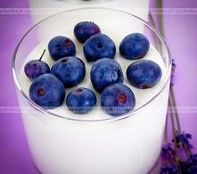 Budyń z jagodami