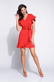 Czerwona sukienka kopertowa...