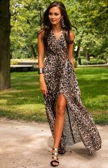 Długa sukienka w panterkę 0...