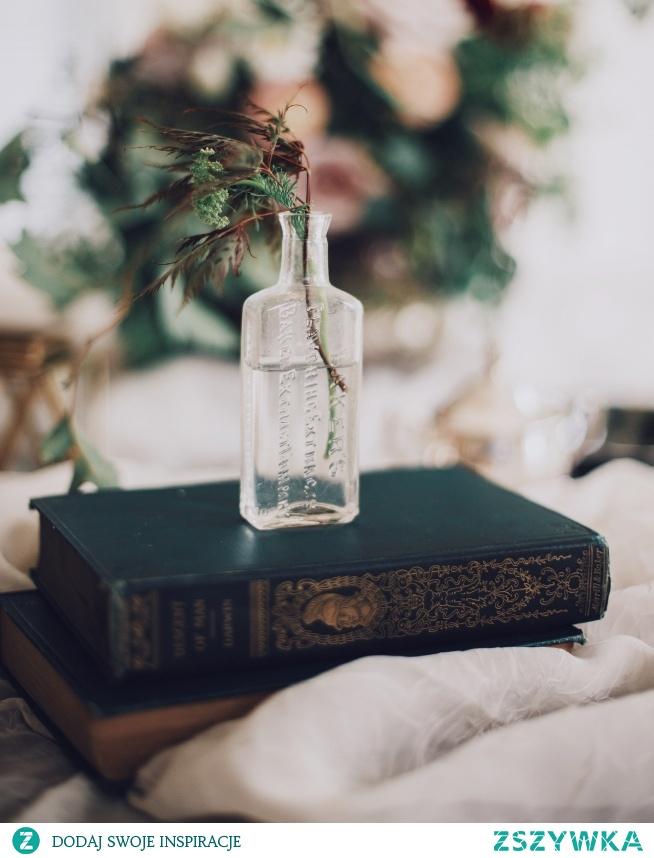 """""""Książka to przyjaciel, który nigdy nie zdradzi."""""""