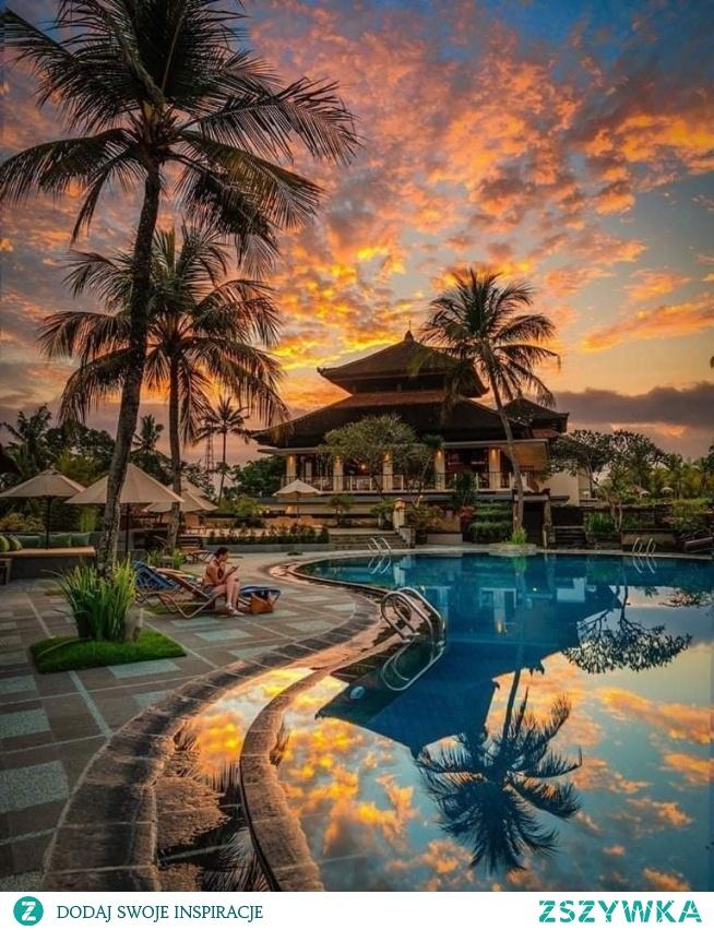 Zachód słońca na Bali