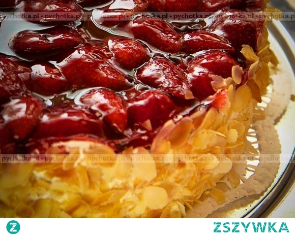 Tort migdałowy na cieście francuskim