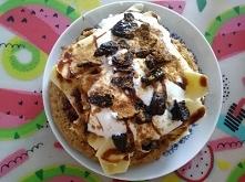 Owsiany omlet z bananem i s...
