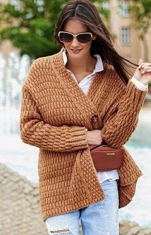 Numinou Ciepły sweter zapin...