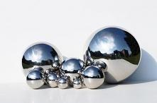Zestaw ośmiu srebrnych kul ...