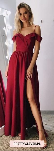 Sandy - długa sukienka z opadającymi ramionami z kolekcji Pretty Clever.