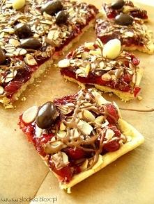 Mazurek z wiśniami i czekoladą