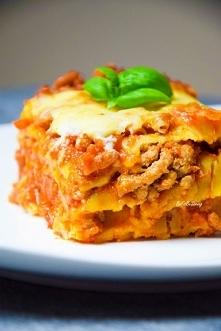 Najlepsza lasagne bolognese z beszamelem. Przepis po kliknięciu w zdjęcie.