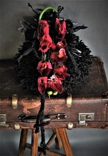Czarny wianek na cmentarz z...