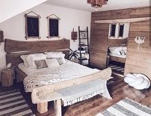 Nasza drabinka regał Opalona Rysia w sypialni Sybilli z profilu domekzalasem ...