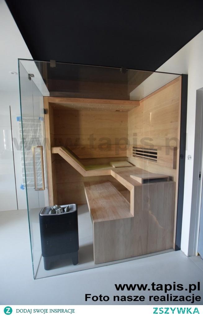 Sauna MODERN w ultranowoczesnej aranżacji ze szklanym sufitem. Producent: TAPIS.PL