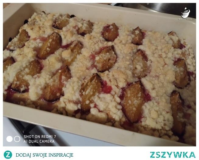 Ciasto drożdżowe ze śliwkami (link w komentarzu)