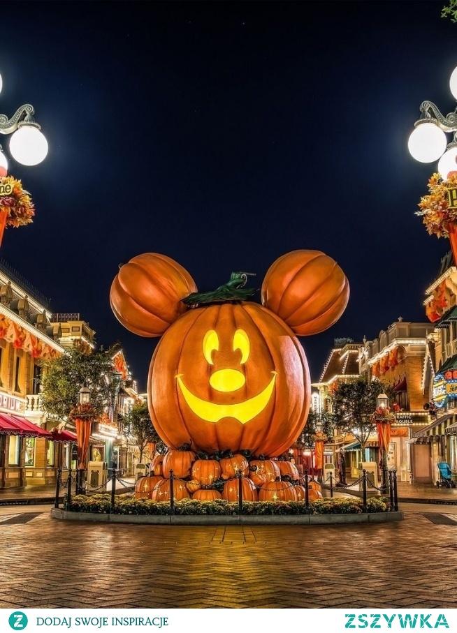 Halloween Myszko Miki :)