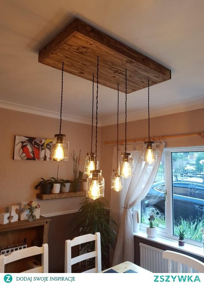 recznie robiona lampa do jadalni
